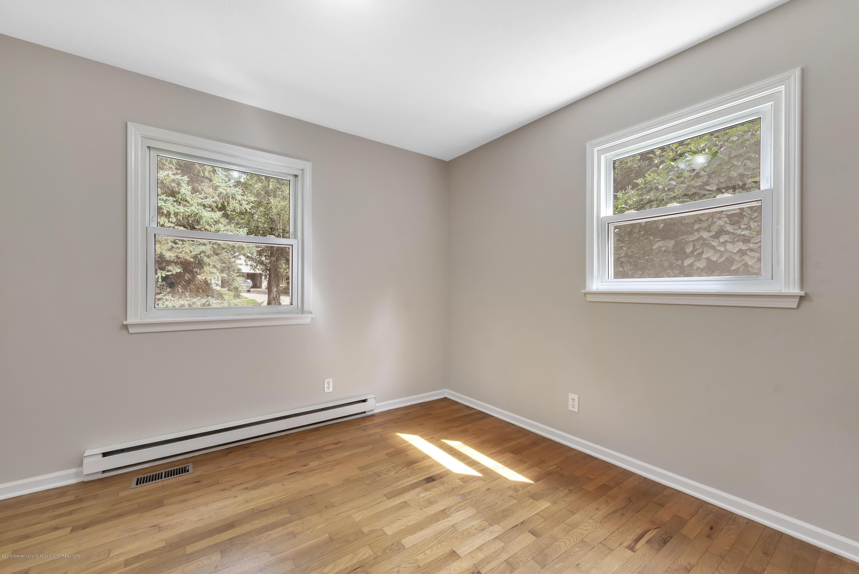 1065 W Main St - 1065-main-st-grand-ledge-mi-windowstill- - 23