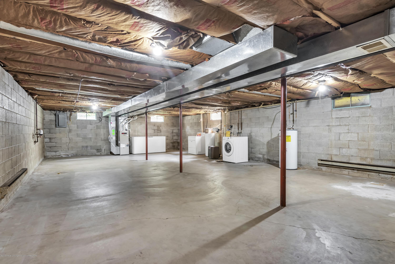 1065 W Main St - 1065-main-st-grand-ledge-mi-windowstill- - 25