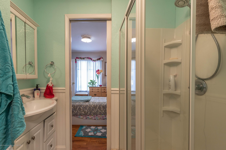 2023 Peggy St - Bathroom 1 - 17