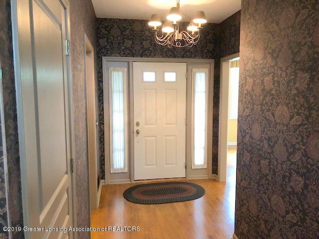 242 Abbott Woods Dr - Foyer - 3