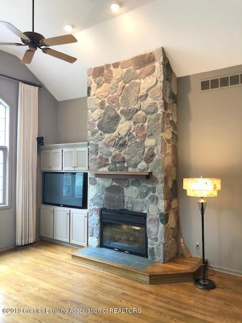 242 Abbott Woods Dr - Living Room - 7