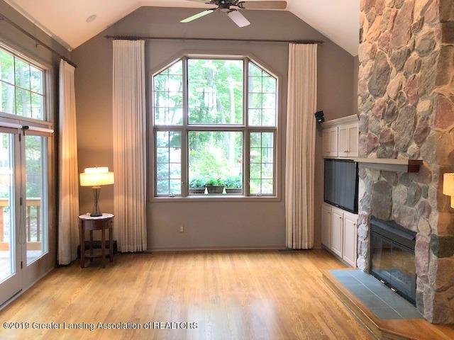 242 Abbott Woods Dr - Living Room - 5