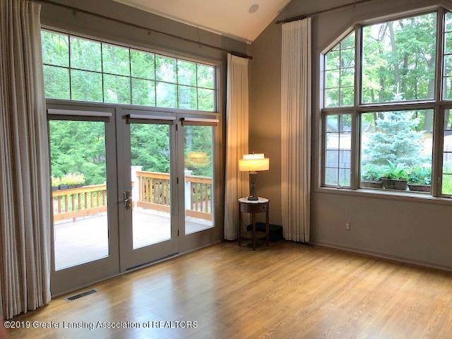 242 Abbott Woods Dr - Living Room - 6