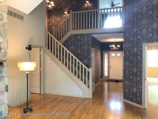 242 Abbott Woods Dr - Living Room - 8