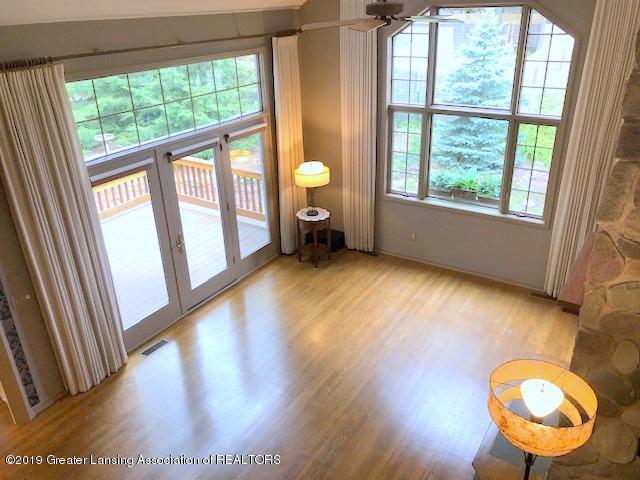 242 Abbott Woods Dr - Living Room - 9