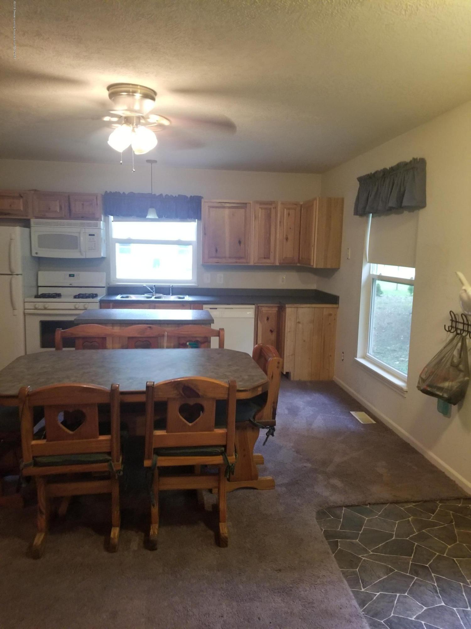 12421 Kruger Ln - Kitchen - 5