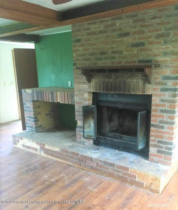 5775 E Centerline Rd - firplaceothermls - 6