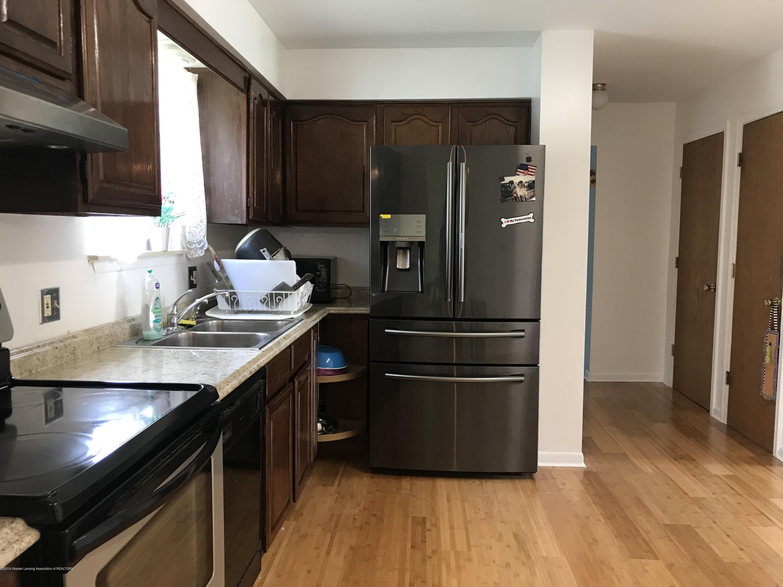 517 Harvest Ln - Kitchen with new Samsung refrigerator - 13