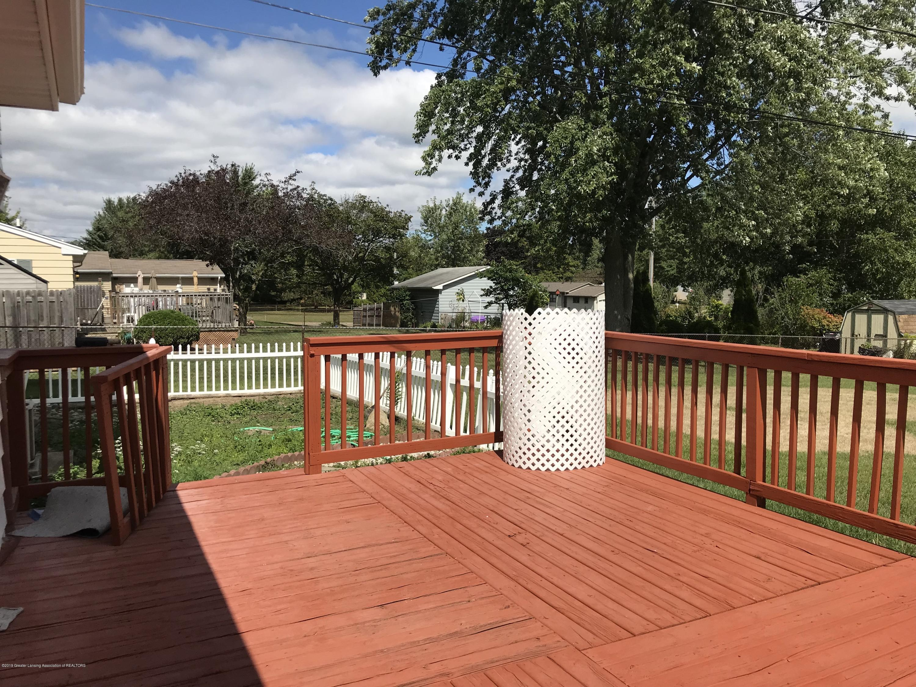 517 Harvest Ln - Deck and vegetable garden - 37