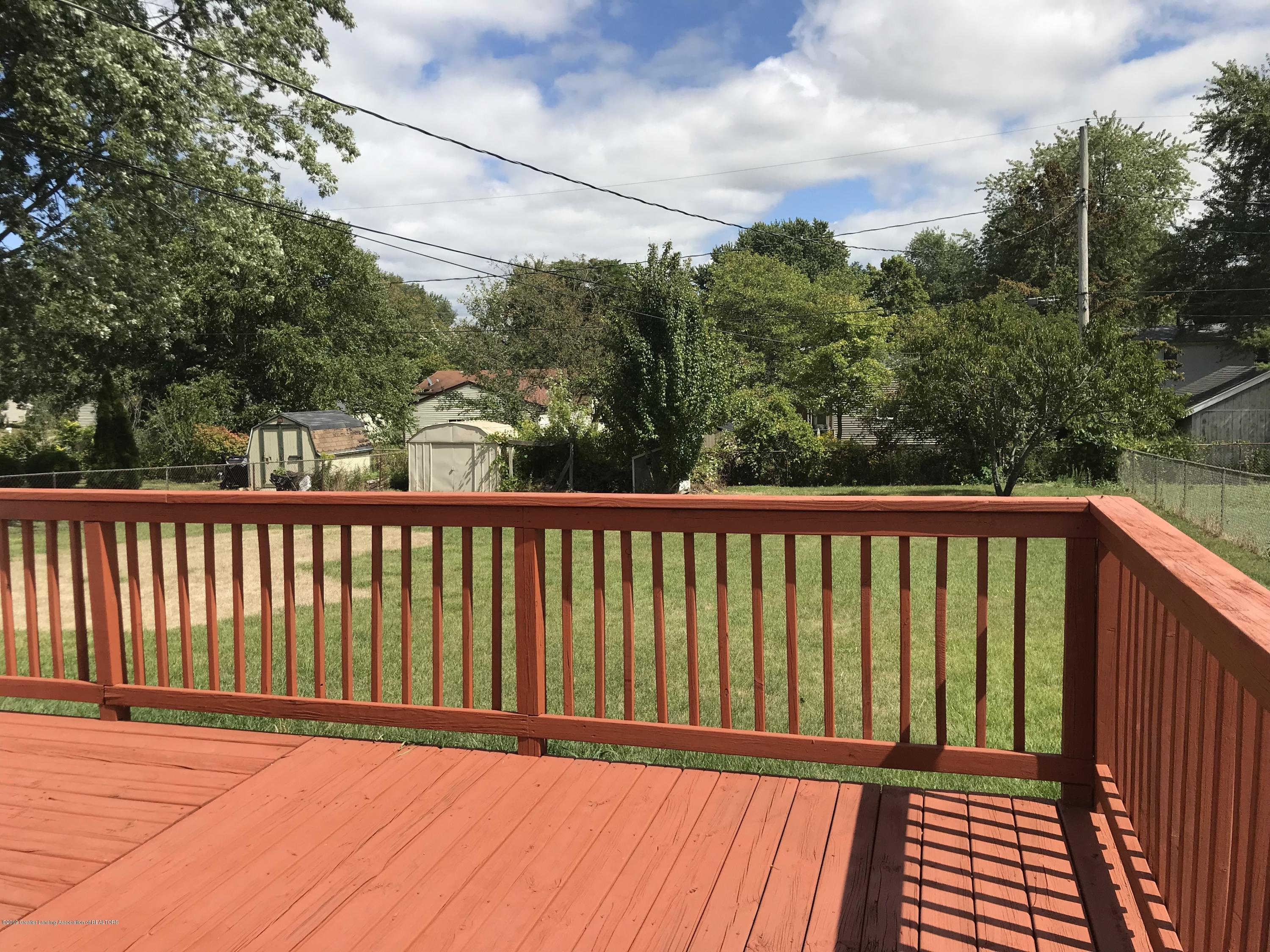 517 Harvest Ln - Deck and fenced in backyard - 38