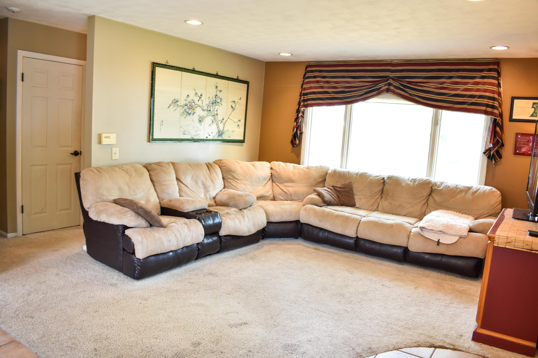 230 N Hartel Rd - Living room - 4