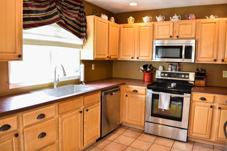 230 N Hartel Rd - Kitchen - 8