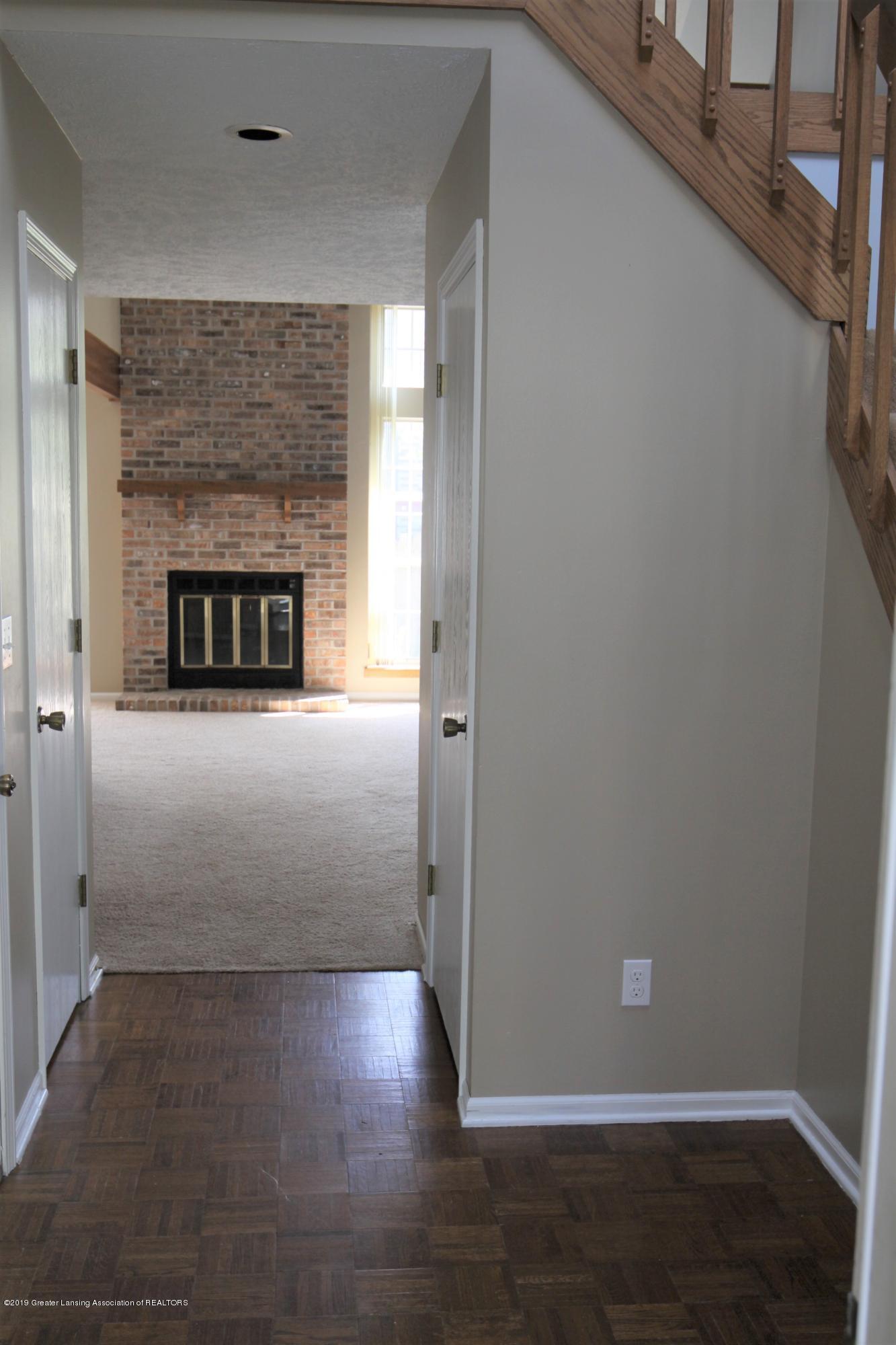 1760 Whitegate Ln 18 - Entrance/Foyer - 2