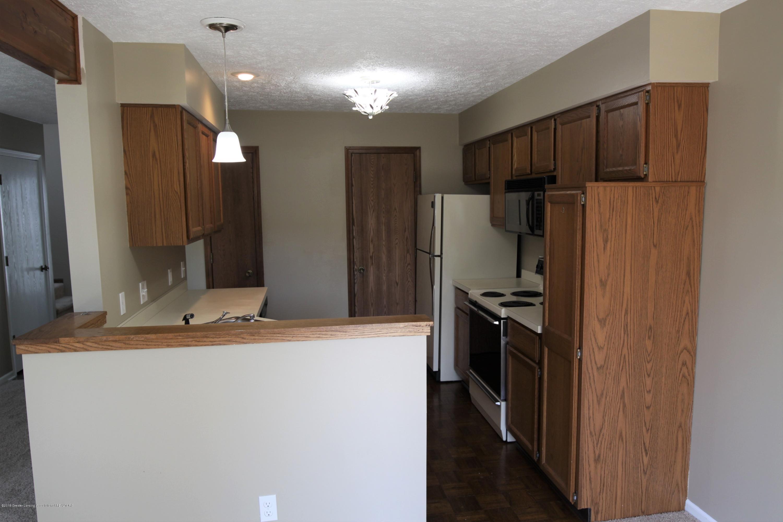 1760 Whitegate Ln 18 - Kitchen - 5