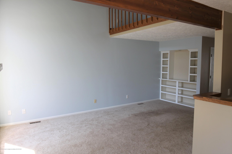 1760 Whitegate Ln 18 - Living Room - 7