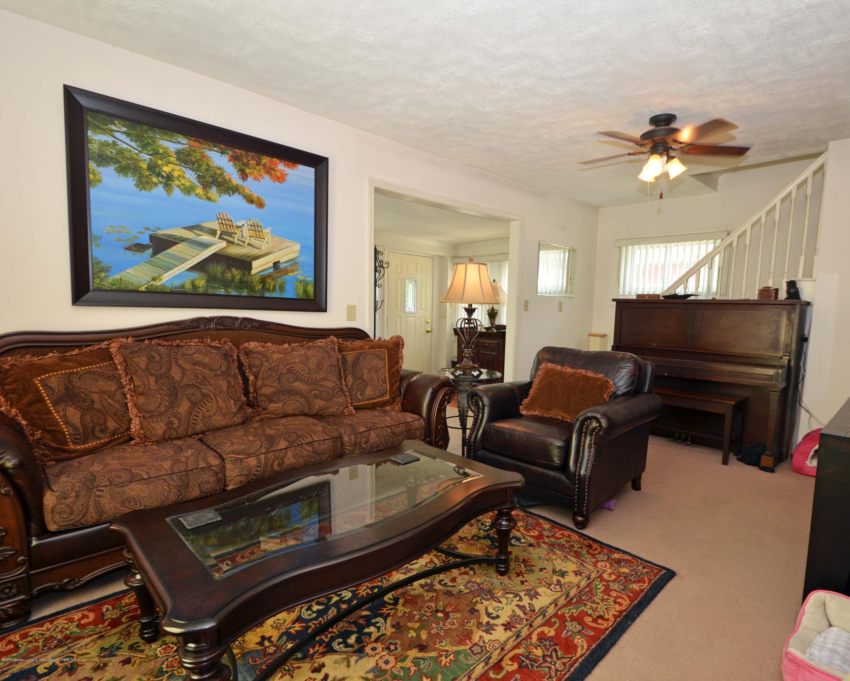 208 N Clemens Ave - 5Living Room - 4