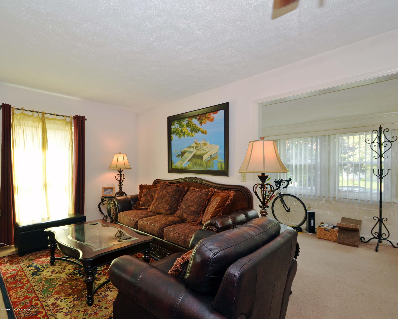 208 N Clemens Ave - 6Living Room - 5