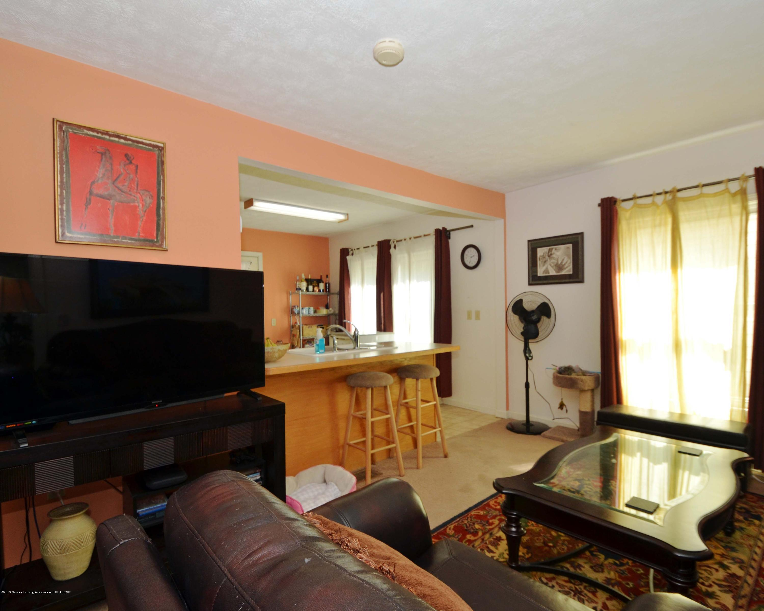 208 N Clemens Ave - 7Living to Dining Room - 6