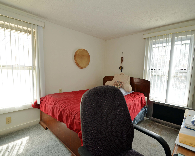 208 N Clemens Ave - Bedroom 2 of 3 - 13