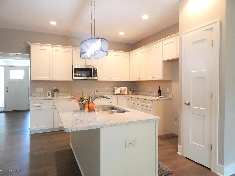8127 Doe Pass - Kitchen - 20