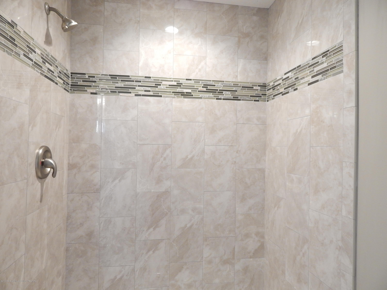 8127 Doe Pass - Master Bath - 33