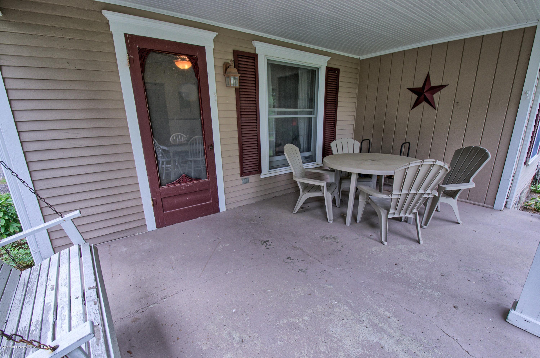 6347 Oneida Rd - Porch - 31