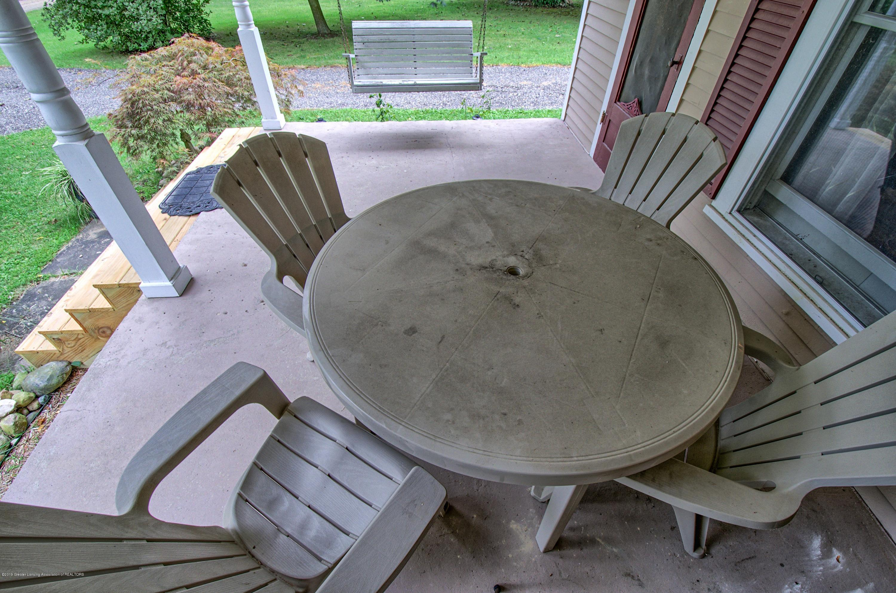 6347 Oneida Rd - Porch - 32