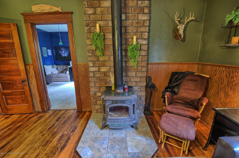 6347 Oneida Rd - Wood Stove - 10