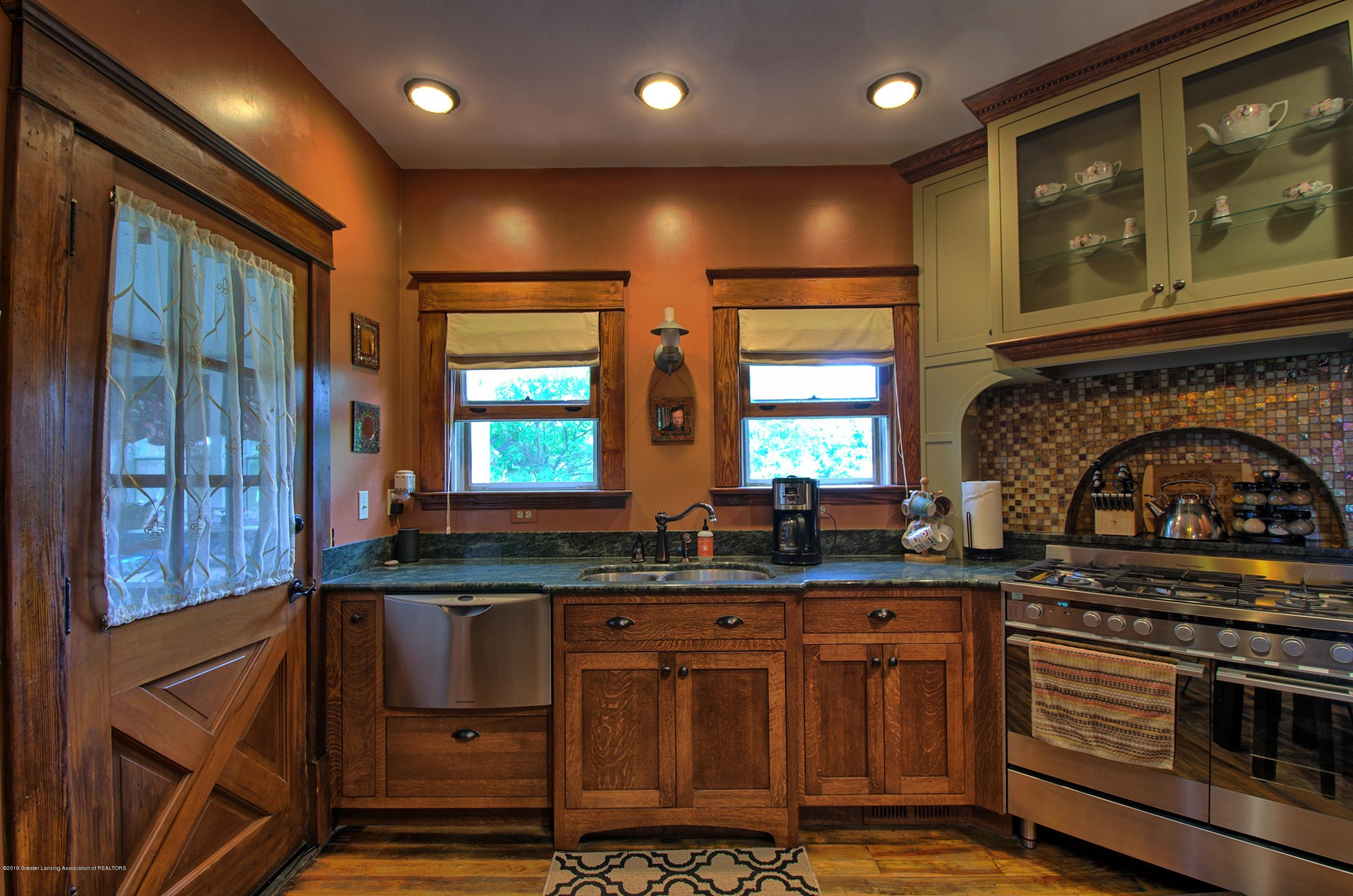 6347 Oneida Rd - Kitchen - 5