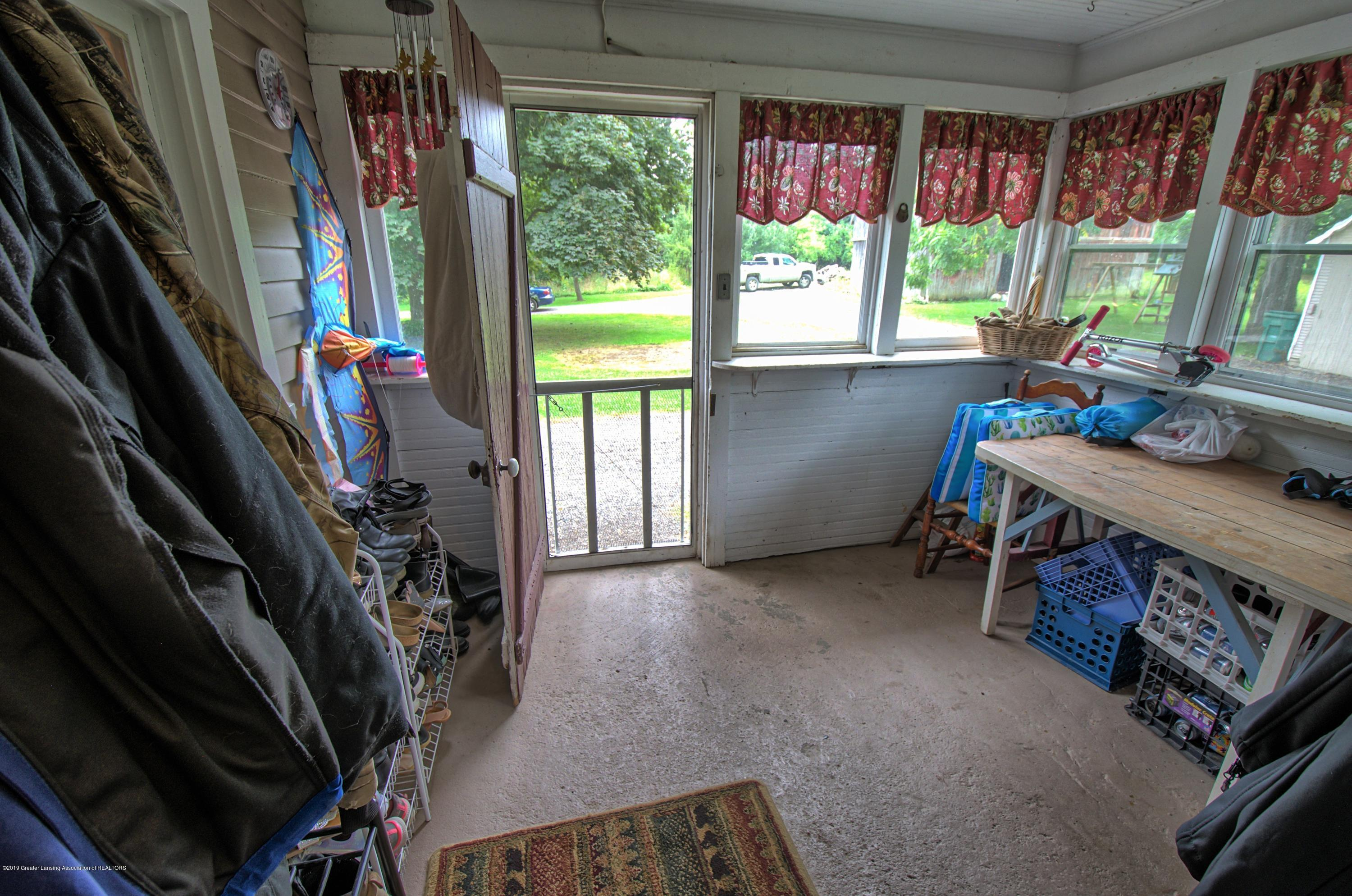 6347 Oneida Rd - Mud Room - 30