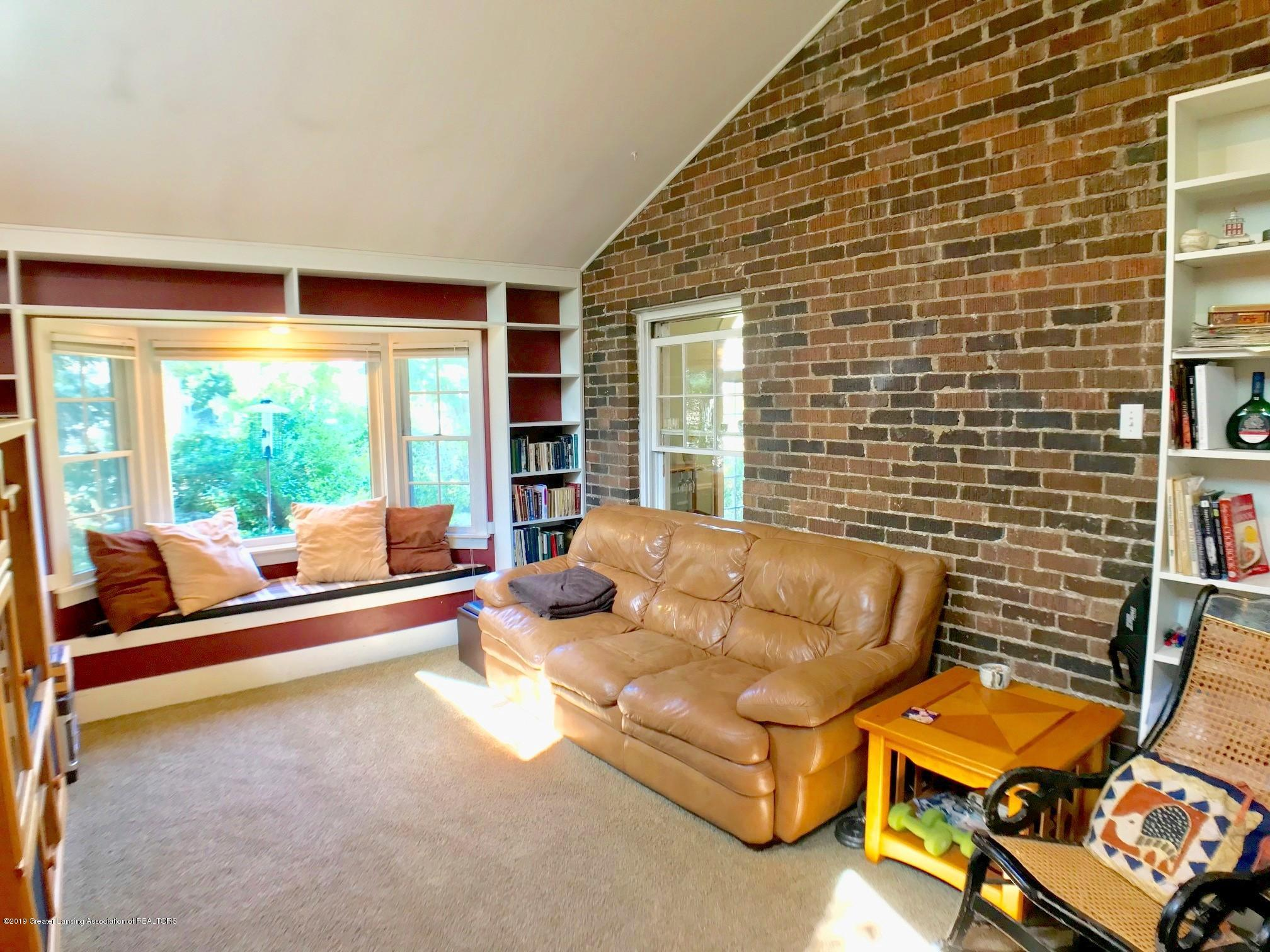 404 Clifton Blvd - Family Room - 16