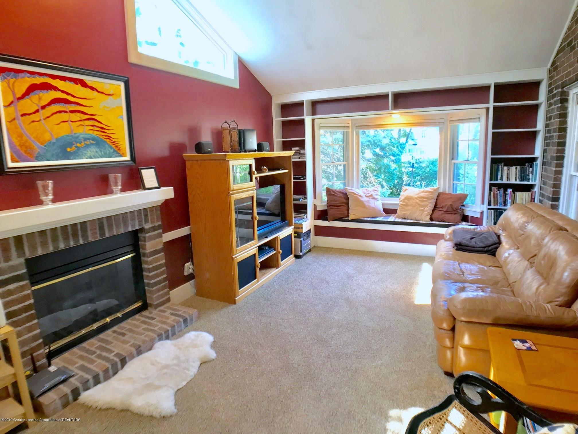 404 Clifton Blvd - Family Room - 15