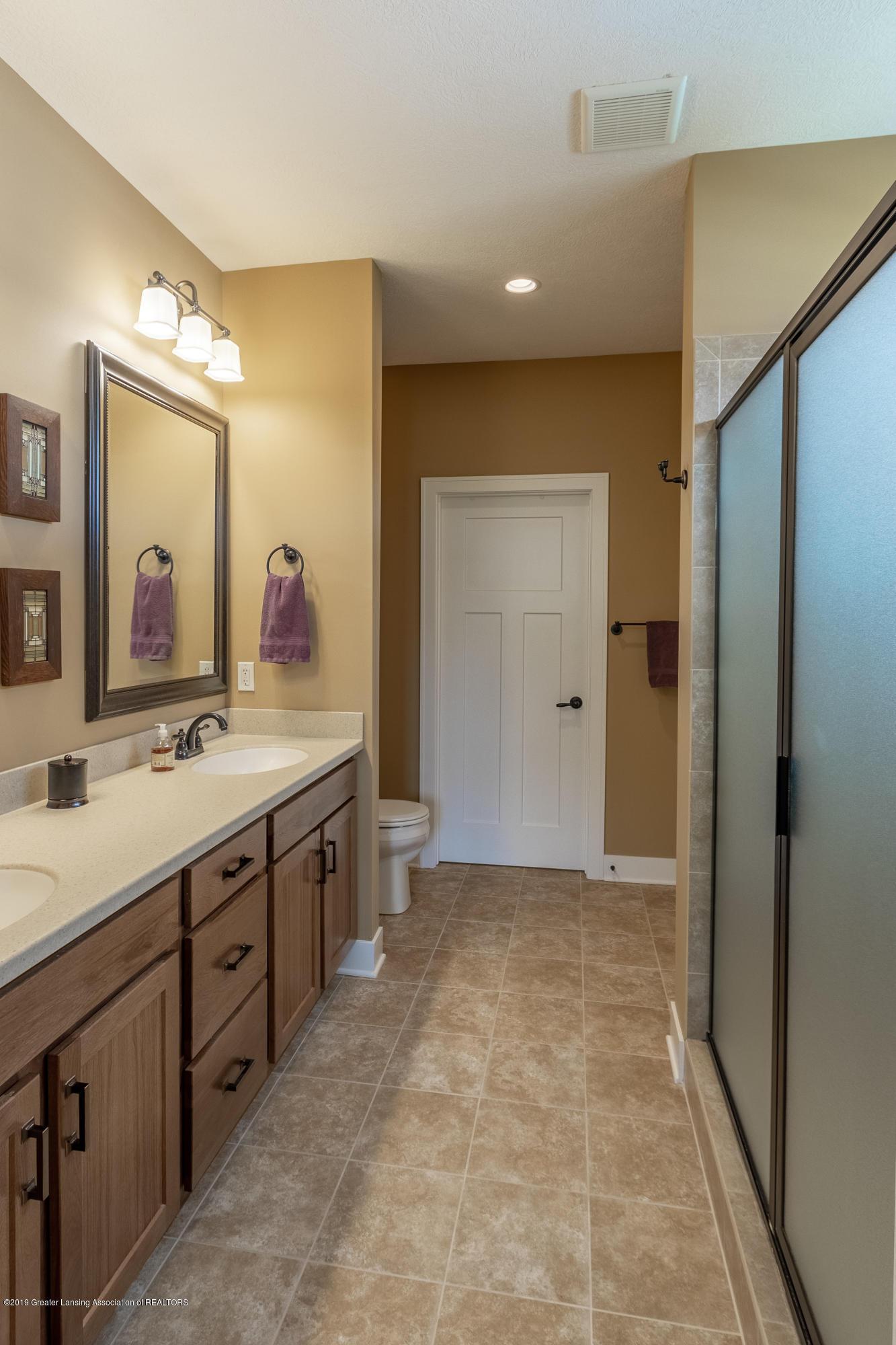 4134 E Benca Way - First Floor Master Bathroom - 40