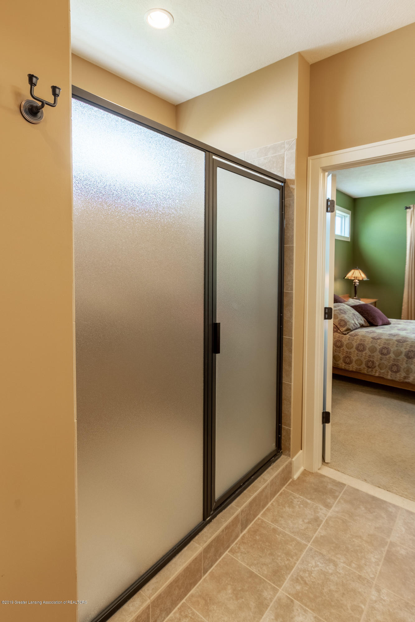4134 E Benca Way - First Floor Master Bathroom - 42