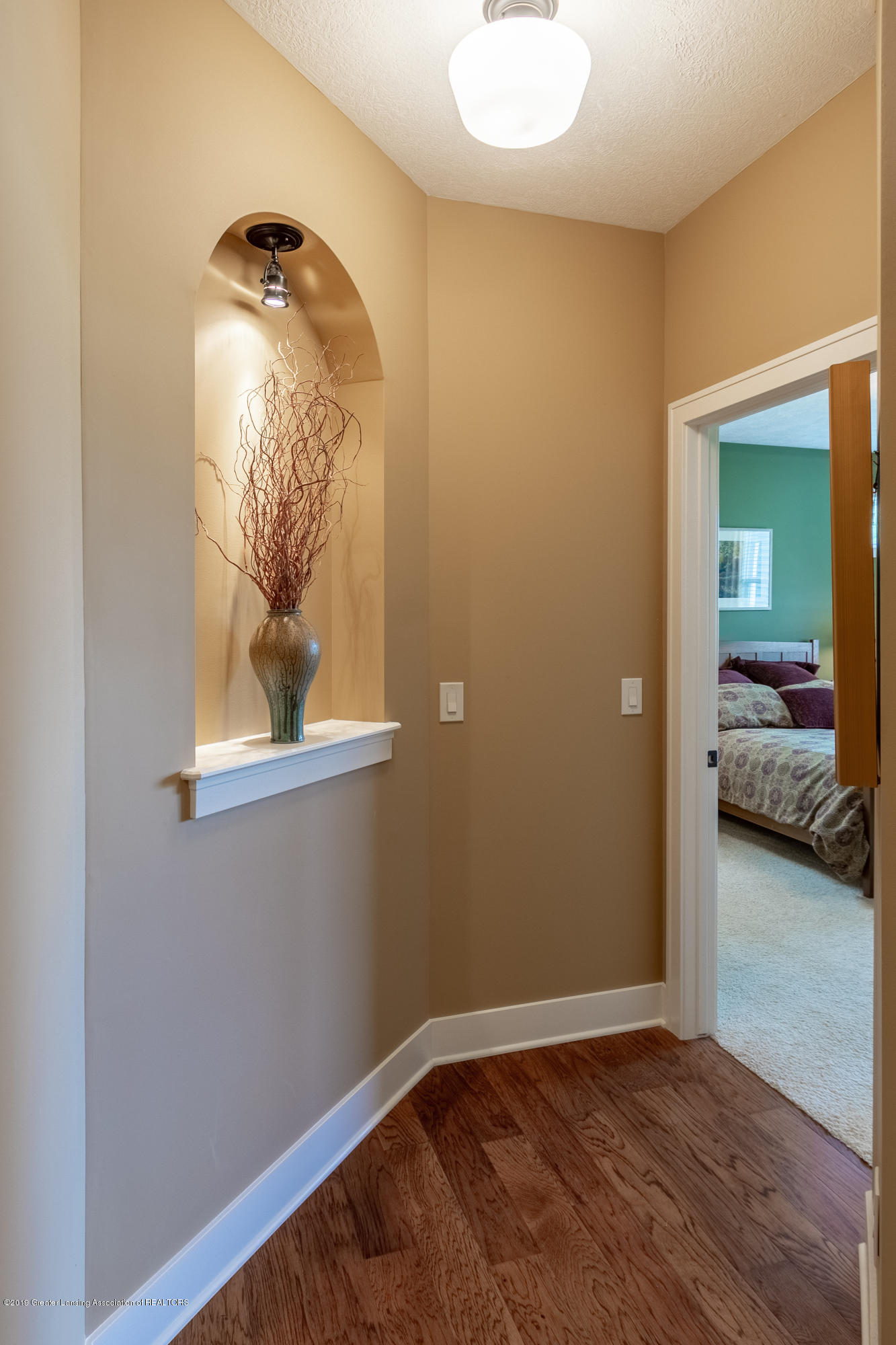 4134 E Benca Way - Hallway to Master Suite - 37
