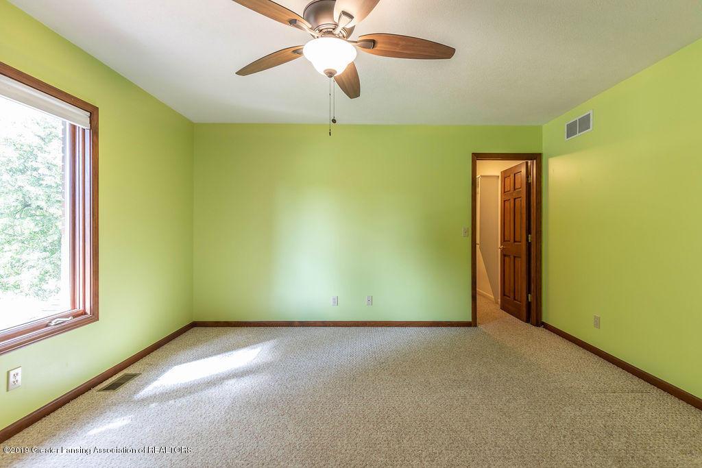 3716 Fairhills Dr - Bedroom - 34