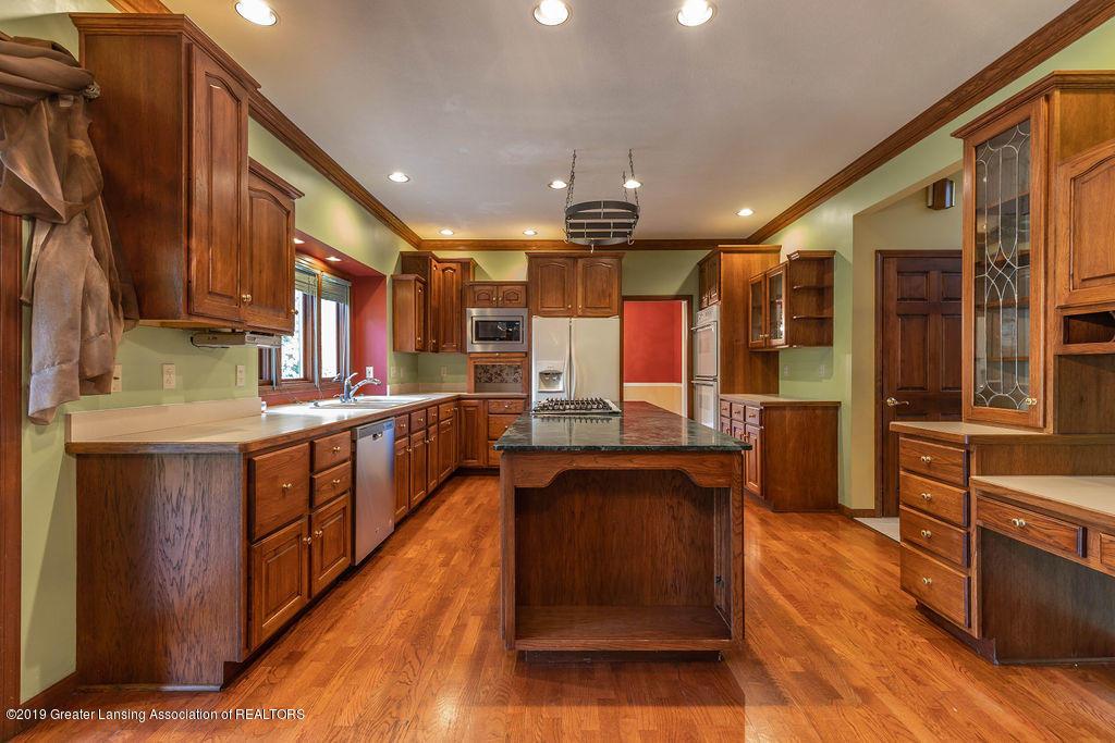 3716 Fairhills Dr - Kitchen - 9