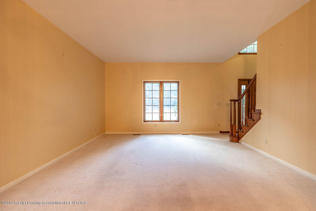 3716 Fairhills Dr - Living Room - 20