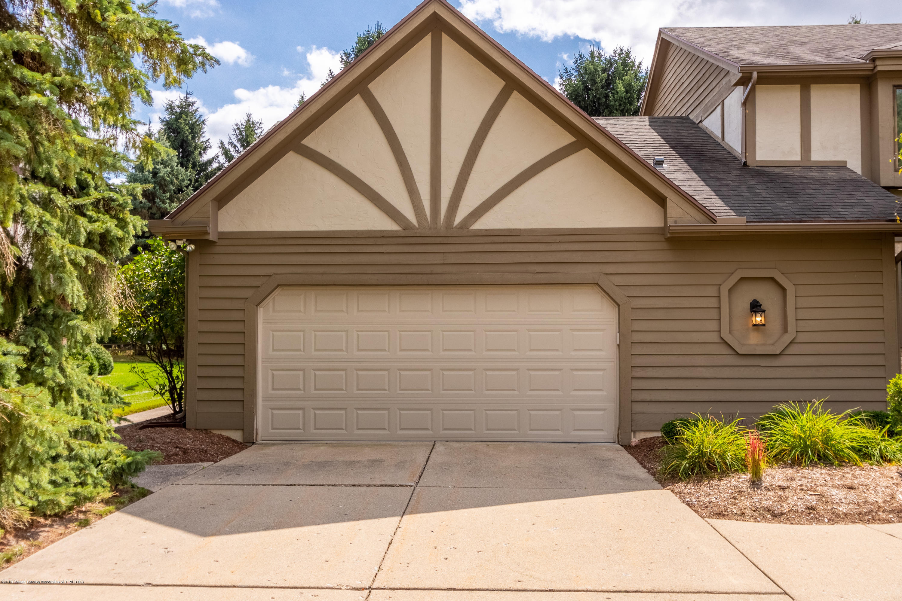 2133 Woodfield Rd - Garage - 4