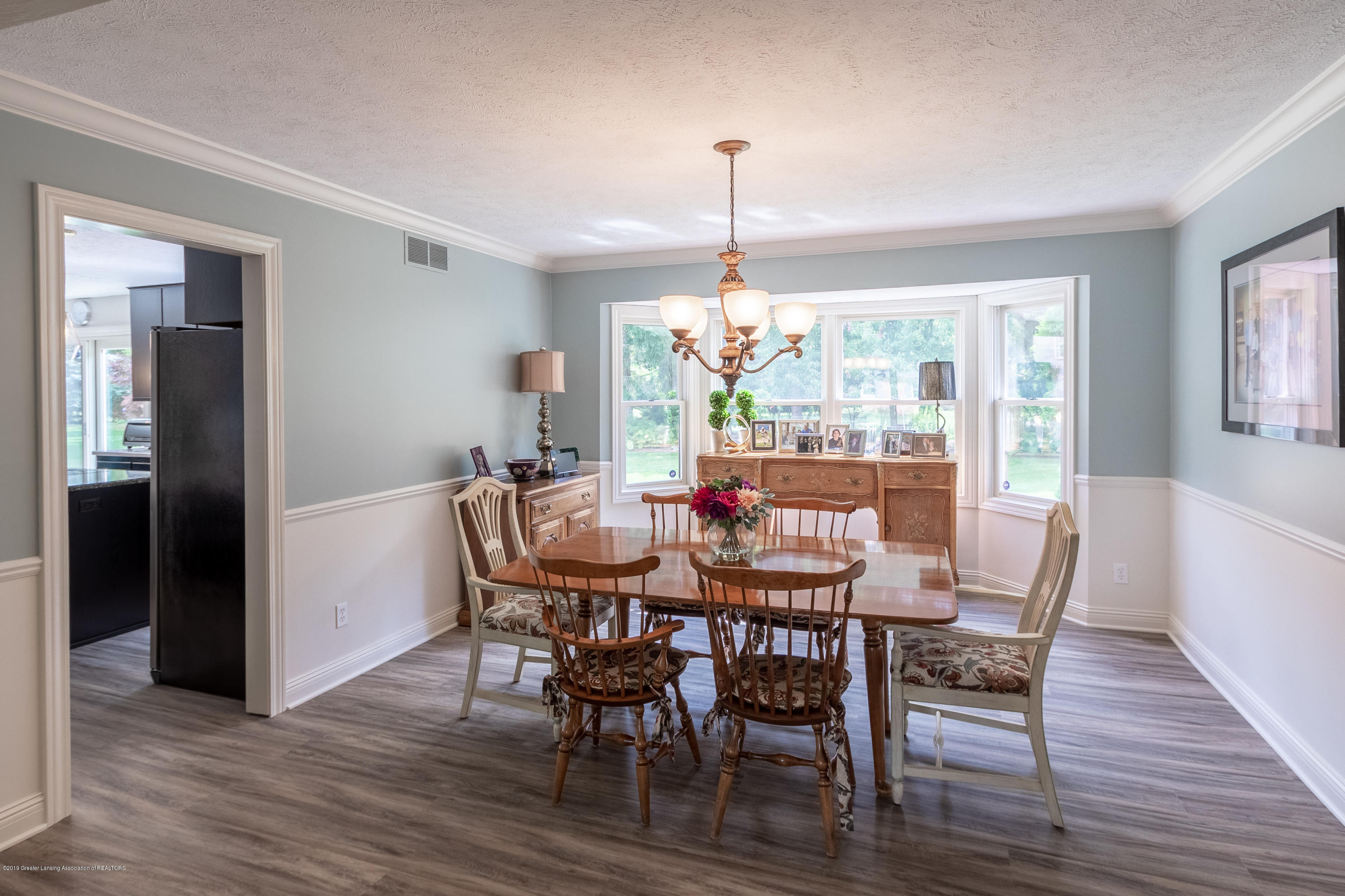 2133 Woodfield Rd - Formal Dining Room - 11