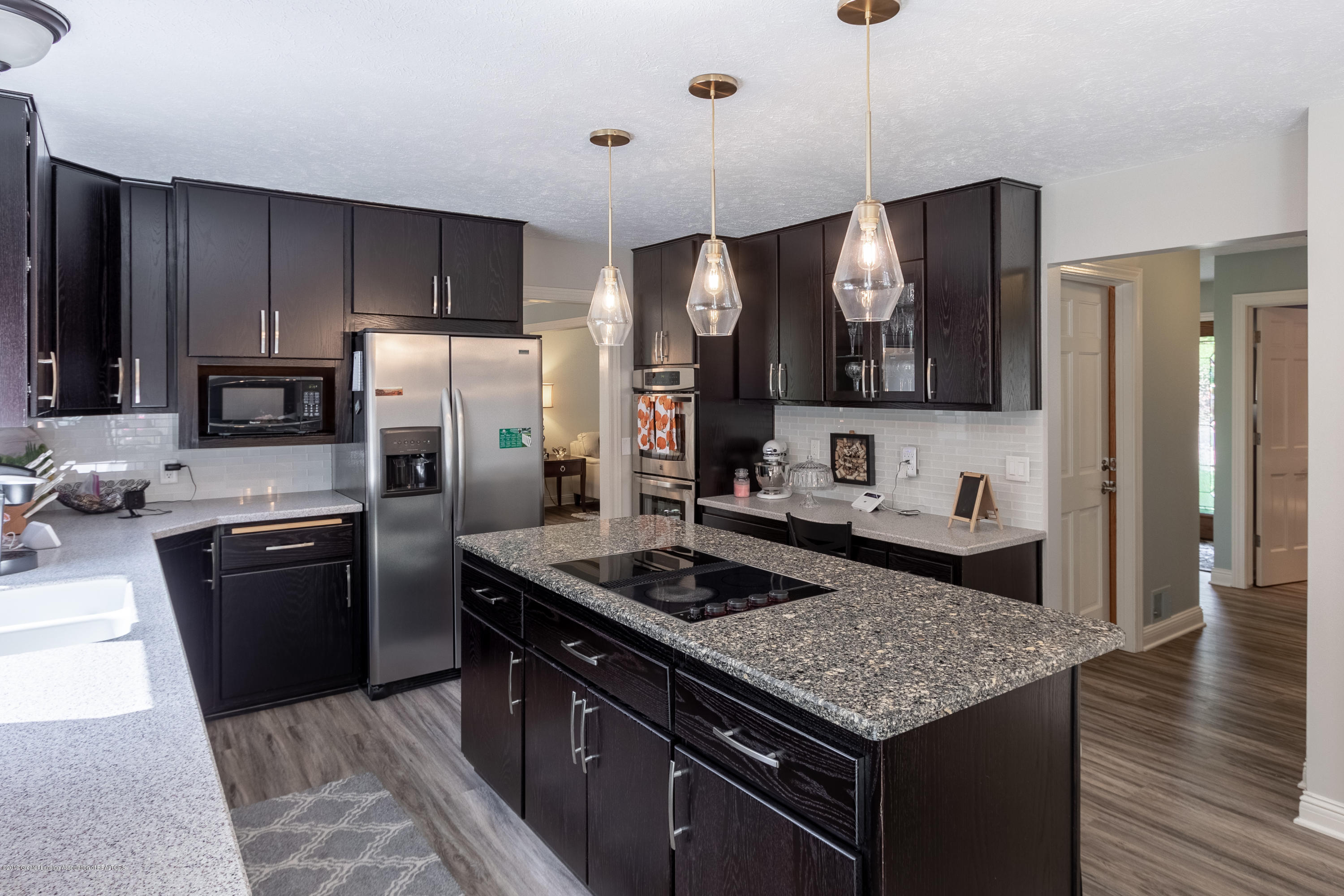 2133 Woodfield Rd - Kitchen - 14