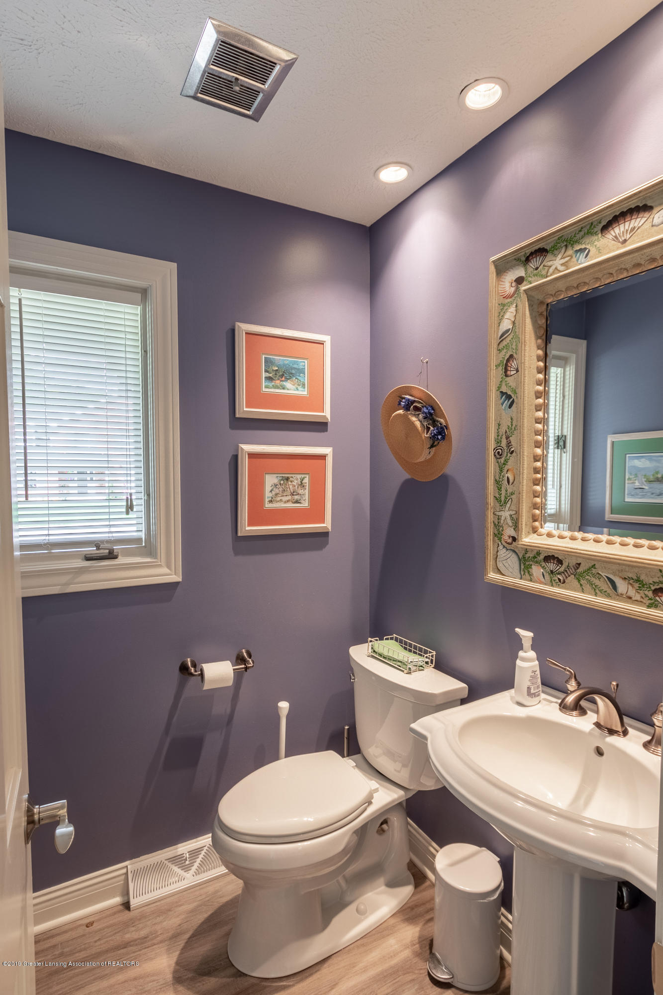 2133 Woodfield Rd - Half Bath - 27