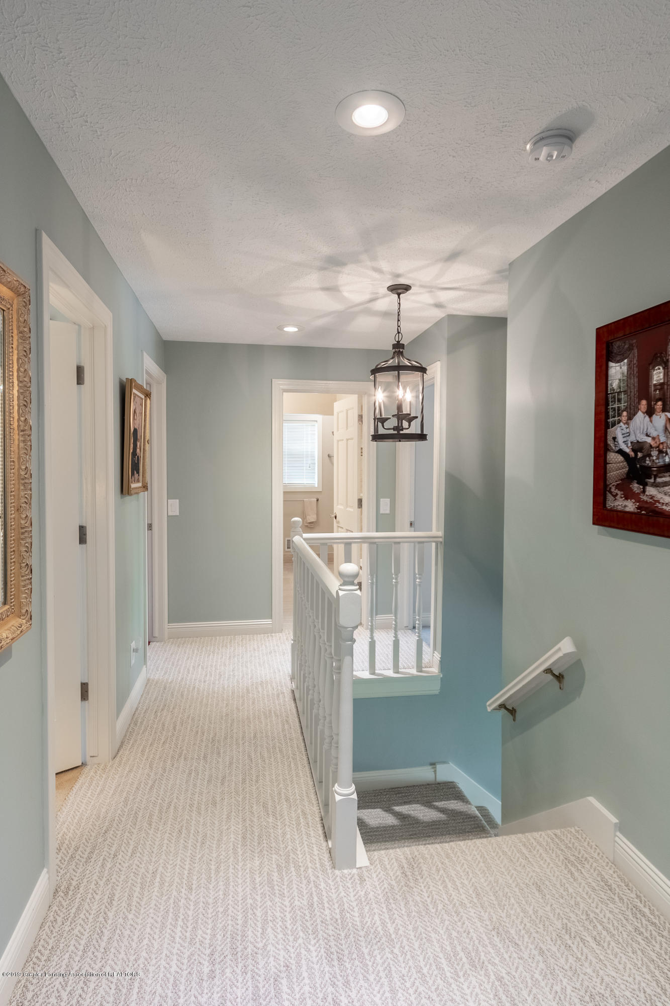 2133 Woodfield Rd - Hallway - 28
