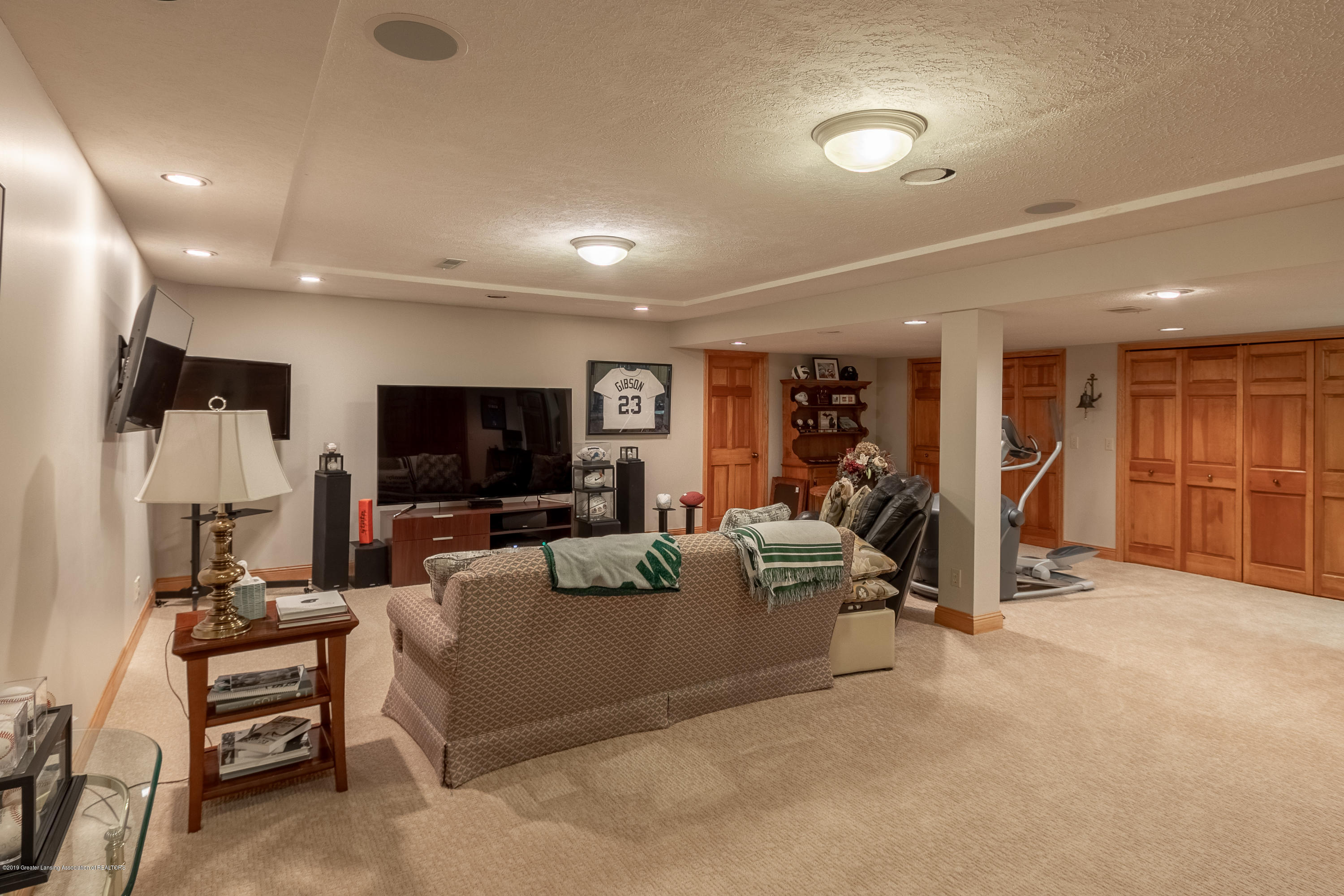 2133 Woodfield Rd - Lower Level Rec Room - 44