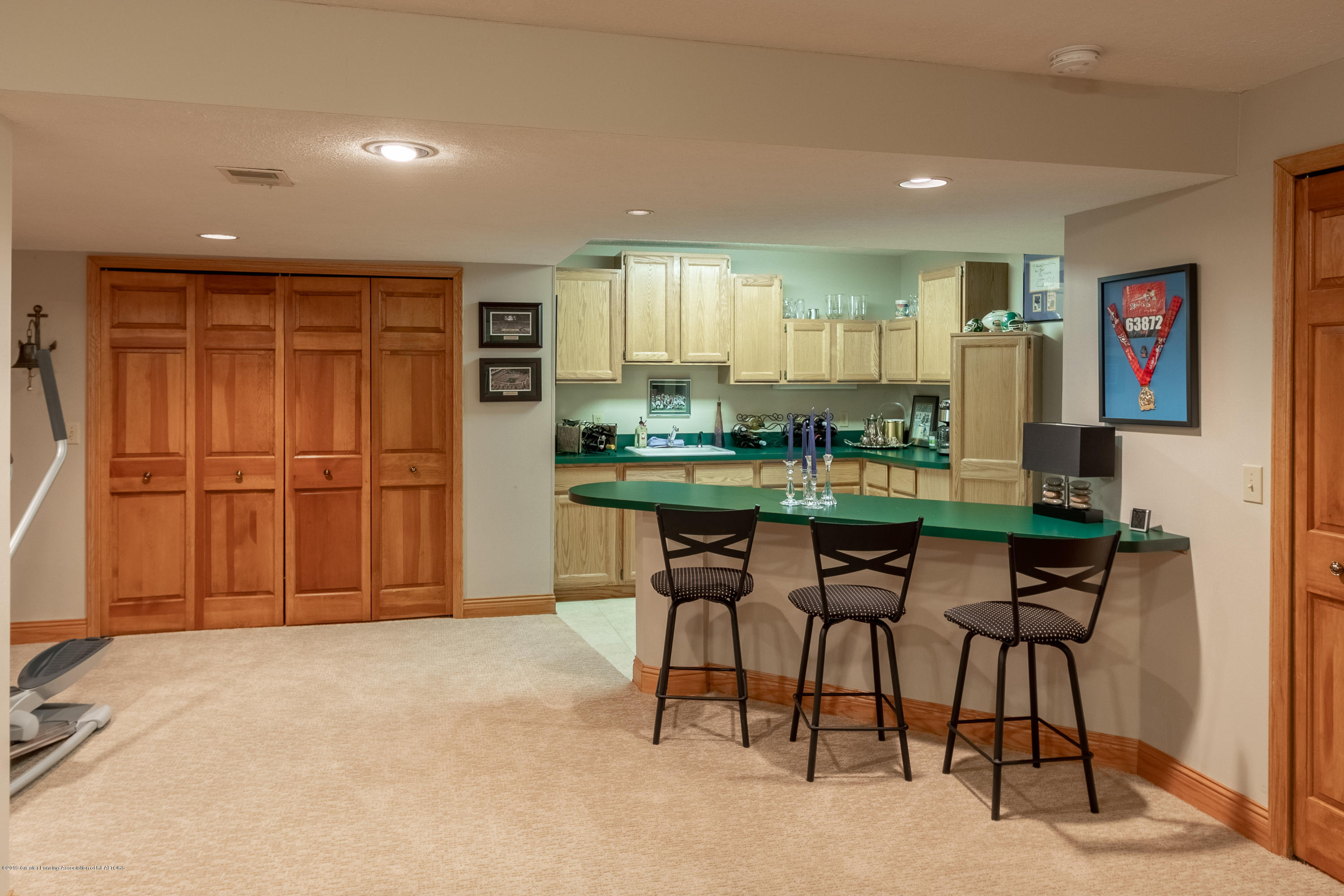 2133 Woodfield Rd - Lower Level Rec Room with Wet Bar - 45