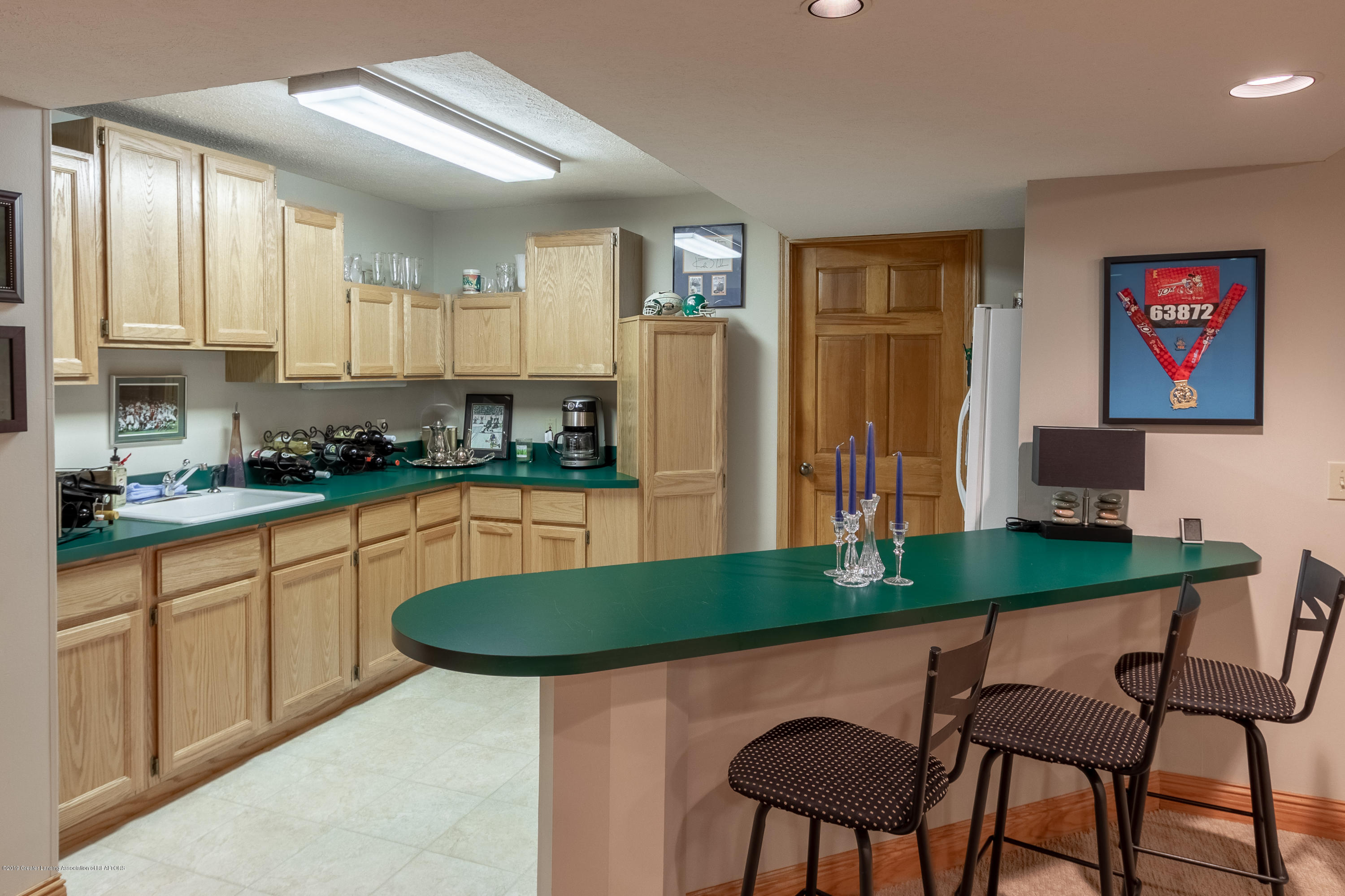 2133 Woodfield Rd - Lower Level Rec Room with Wet Bar - 46