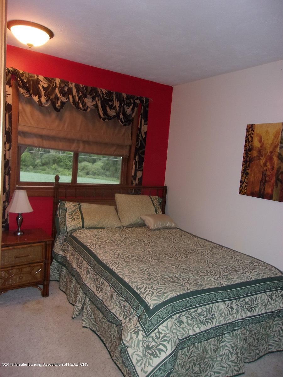1403 N Stewart Rd - 19 Bedroom - 18