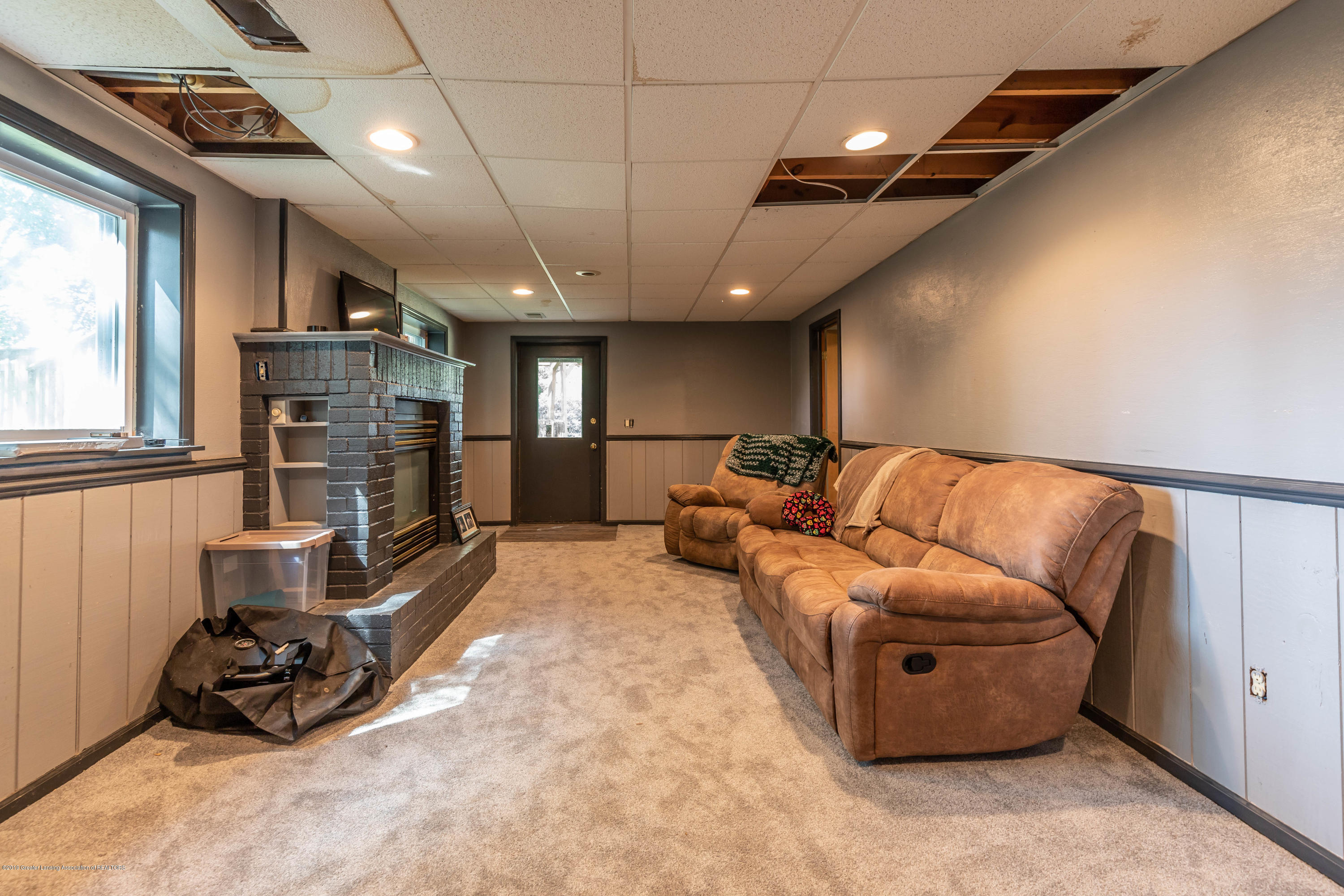 9290 Westchester Dr - Lower Level Family Room - 21