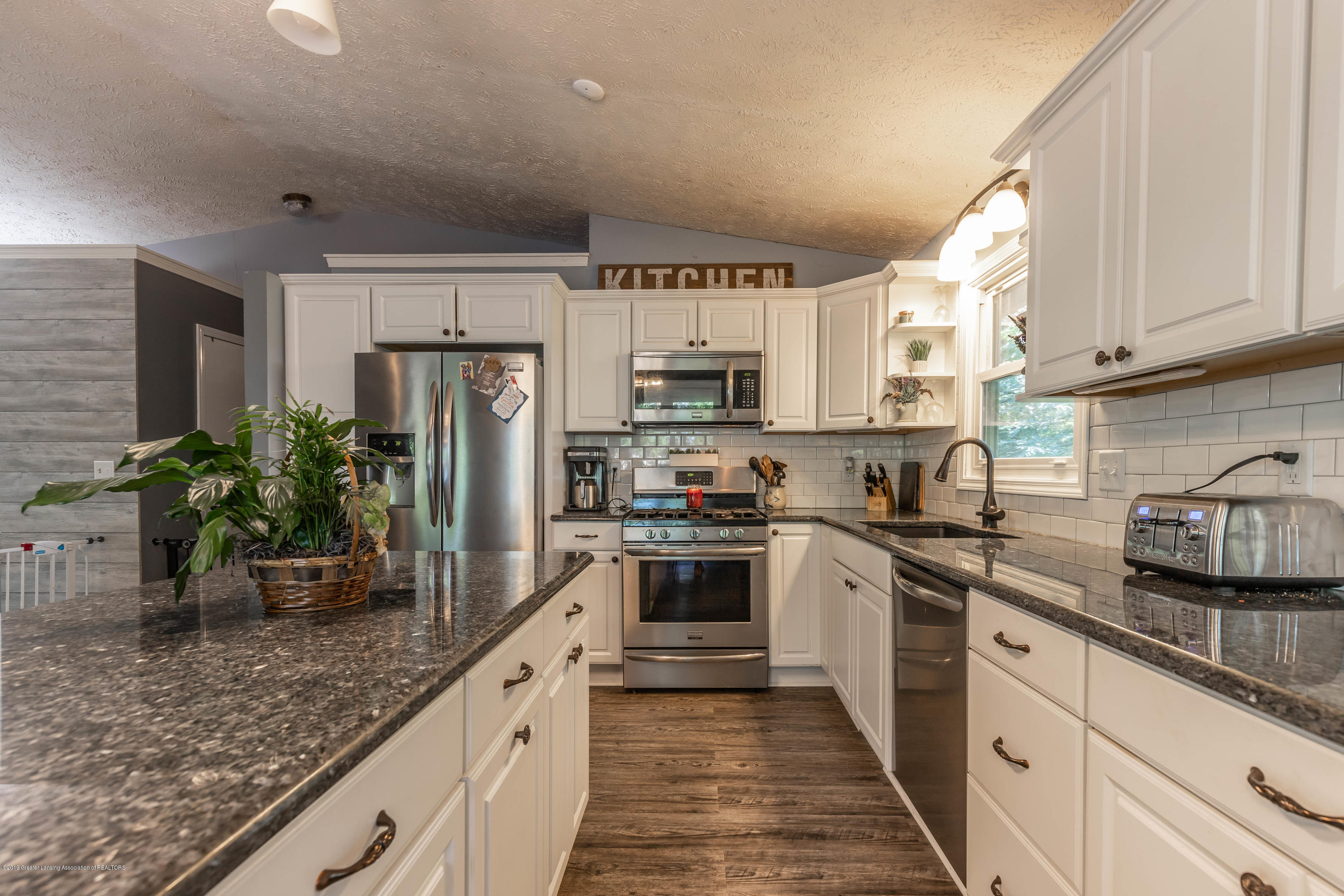 9290 Westchester Dr - Kitchen - 6