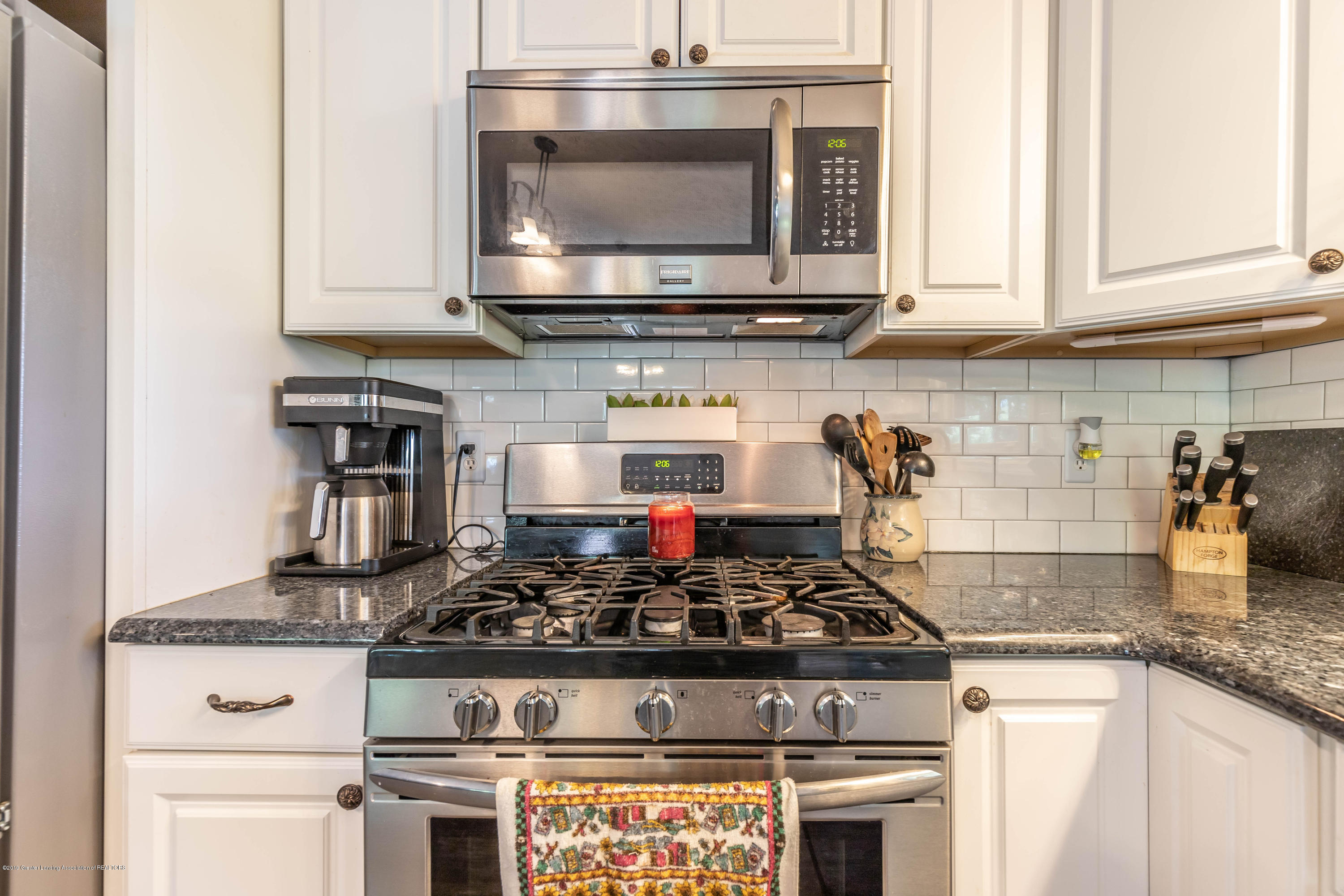 9290 Westchester Dr - Kitchen - 8
